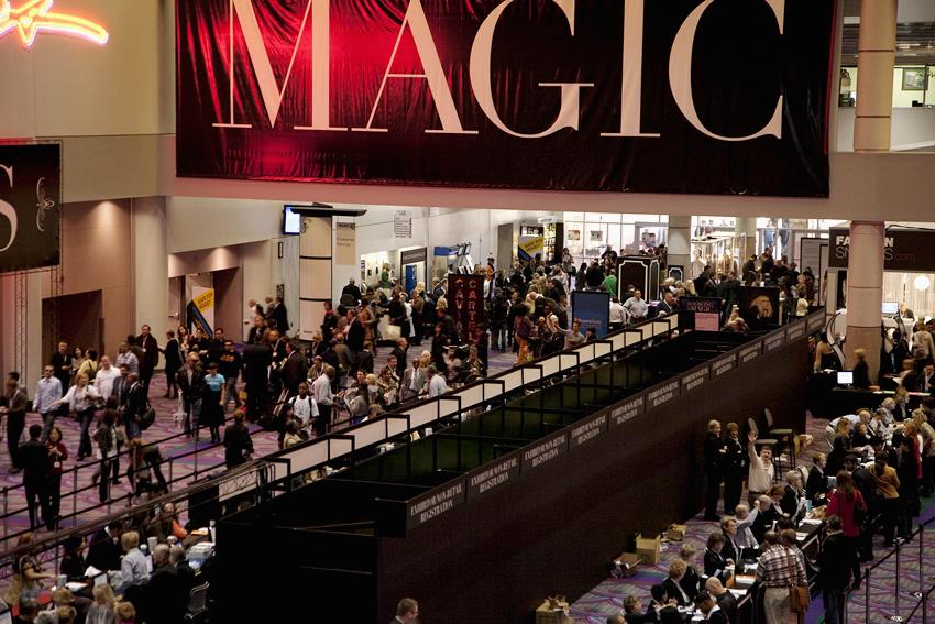 Showing off nationbuilder magic at magic market week for Pool trade show magic