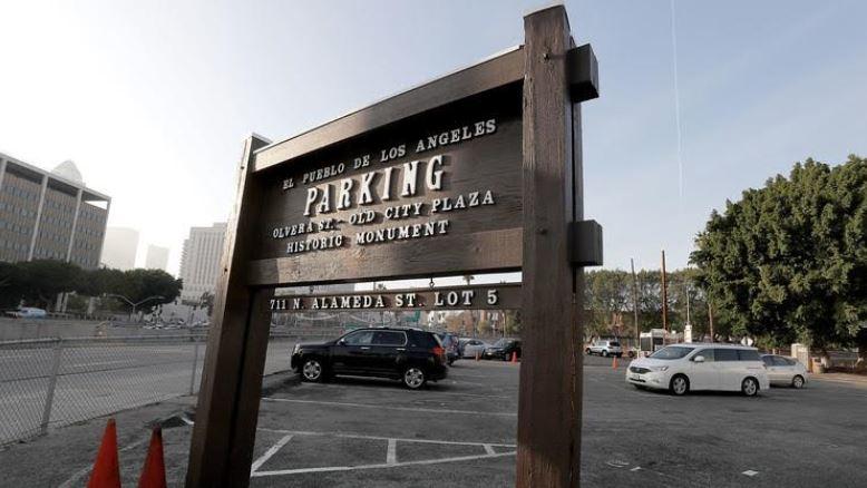 El_Pueblo_Parking_Lot.jpg