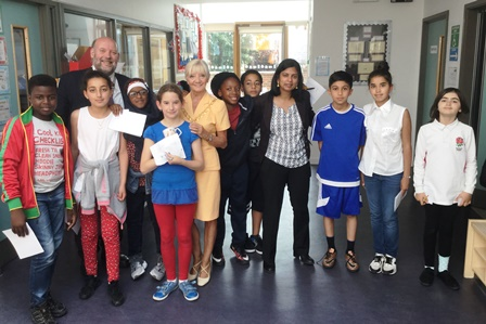 Dr Rupa Huq MP with the mayor of Ealing Patricia Walker and pupils of Derwentwater Primary School