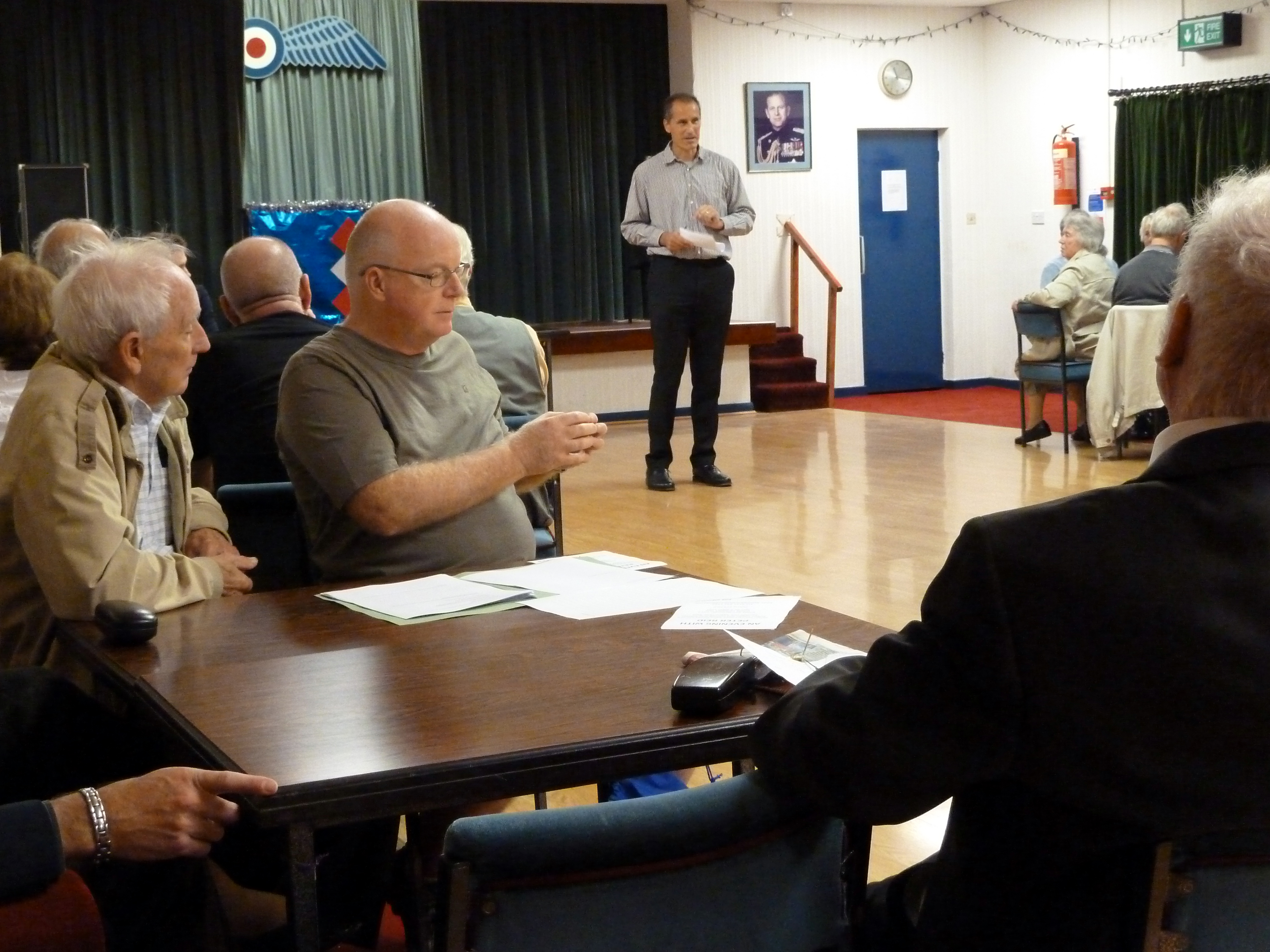 Sefton Central Labour MP Bill Esterson speaks to the Formby residents who attended the People's Politics Inquiry meeting.