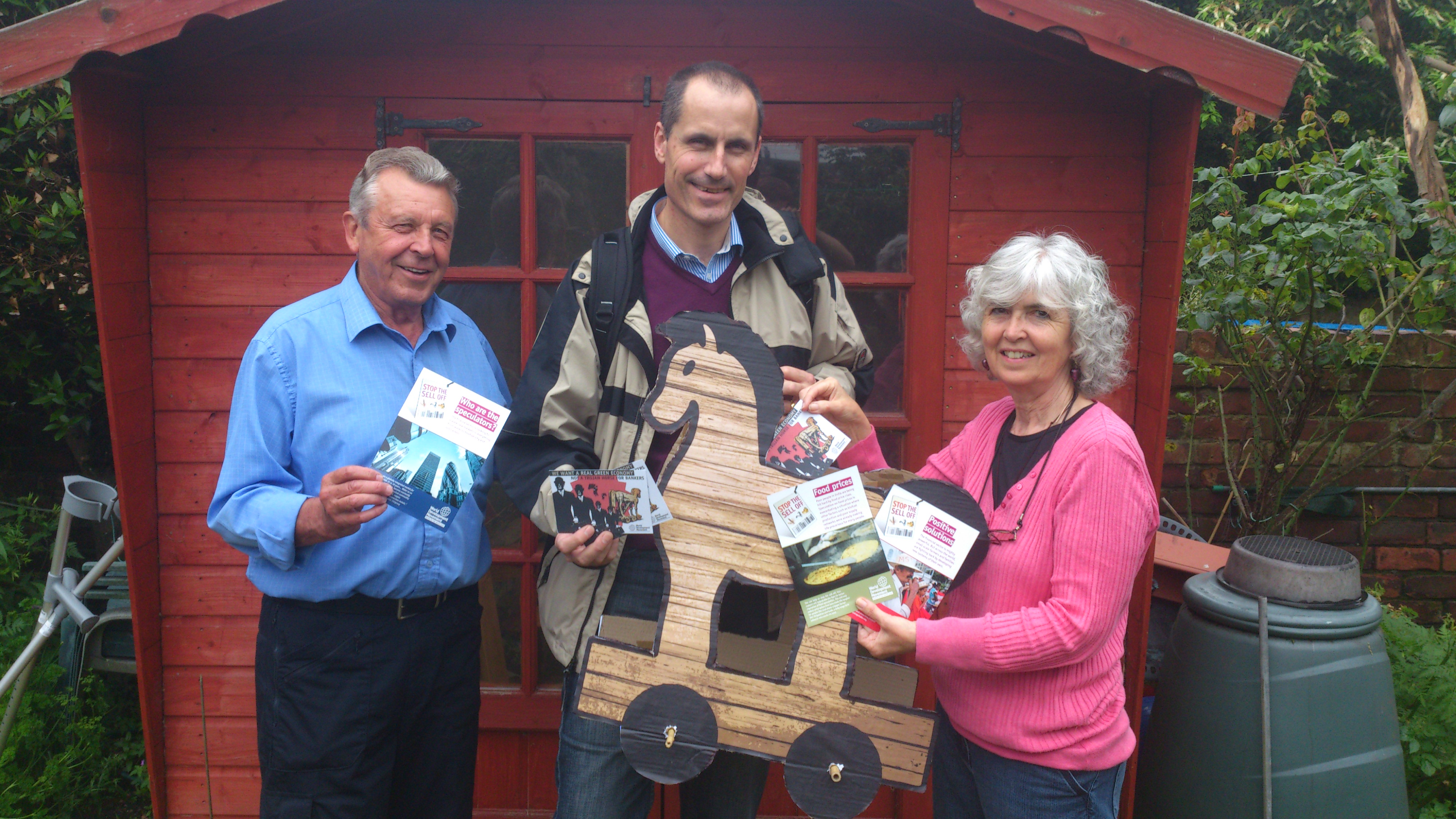 Sefton Central Labour MP Bill Esterson with Crosby campaigners Josephine and Chris Rawsthorne.