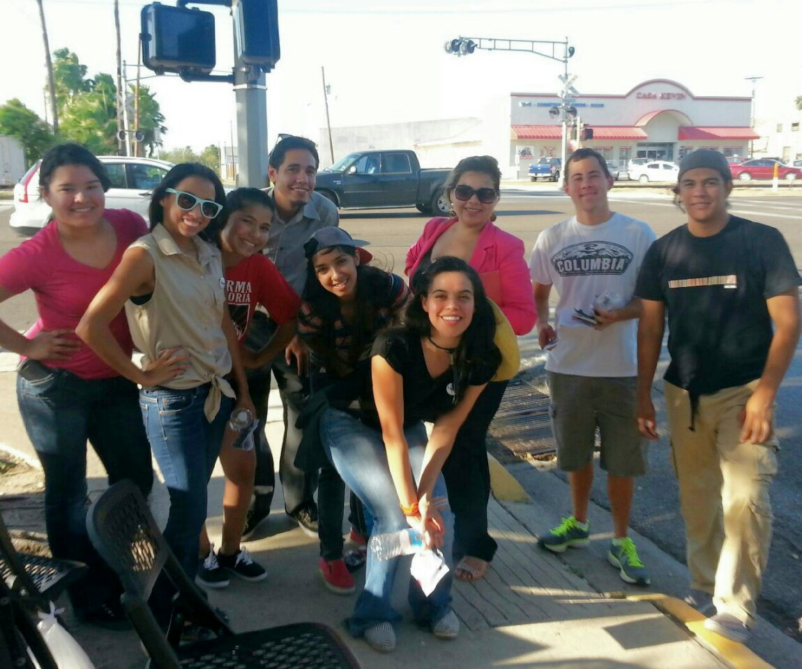 Youth volunteering with LUPE