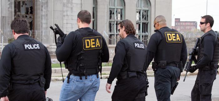 DEA_with_police.jpg