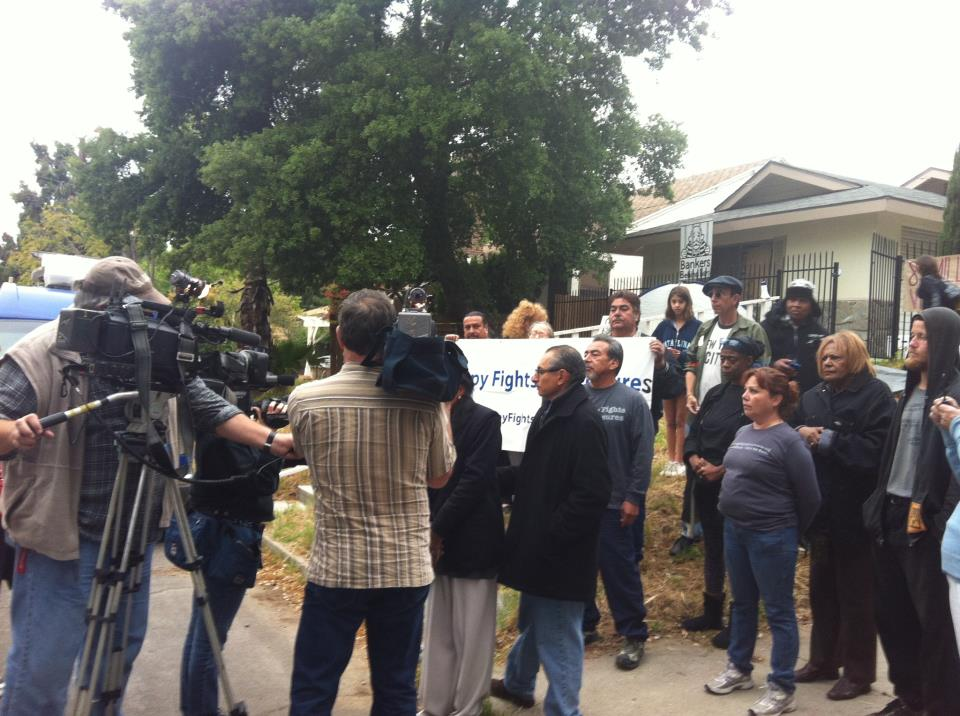 At Harolyn's home, 267 Laurel Dr. Altadena, CA 91001, occupiers held press conference to expose infamous Wells Fargo's fraud scheme.