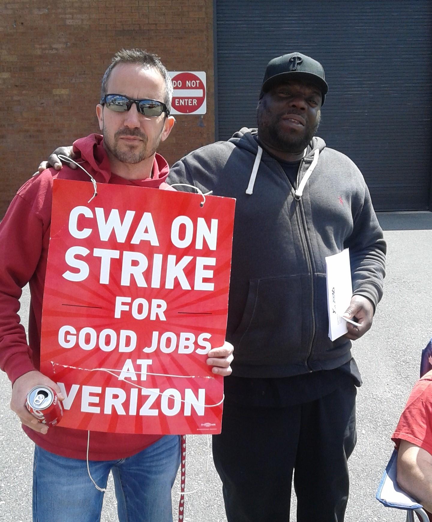 p_Verizon_strike_Galen_(2).jpg
