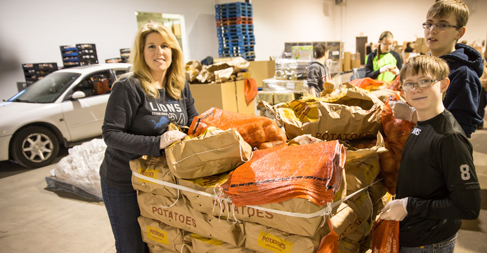 volunteer opportunities gleaners community food bank