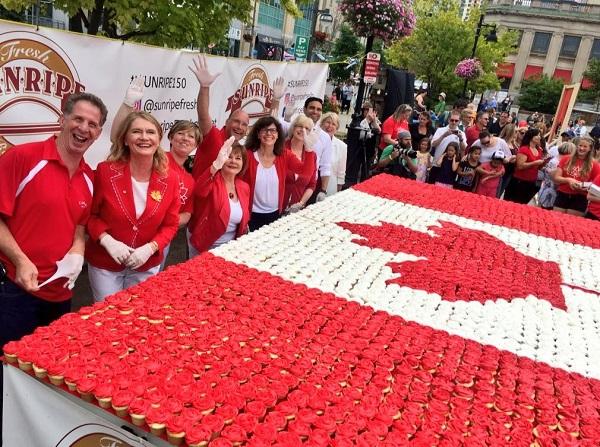 Canada_Day_Cupcakes.JPG