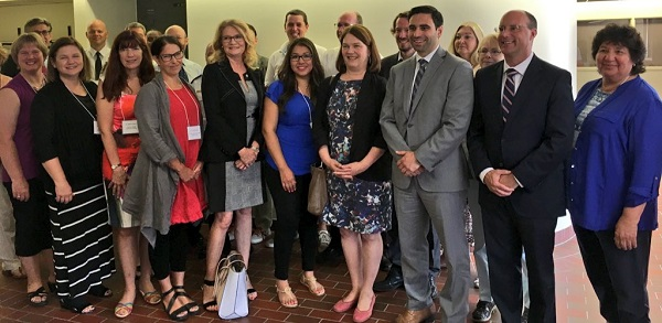 Opioid_Roundtable_with_Minister_Jane_Philpott.jpg