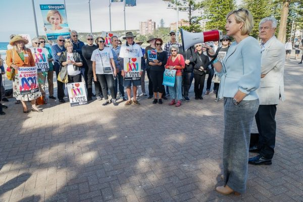 Independent candidate Zali Steggall at the rally - Photography by Kate Zarifeh