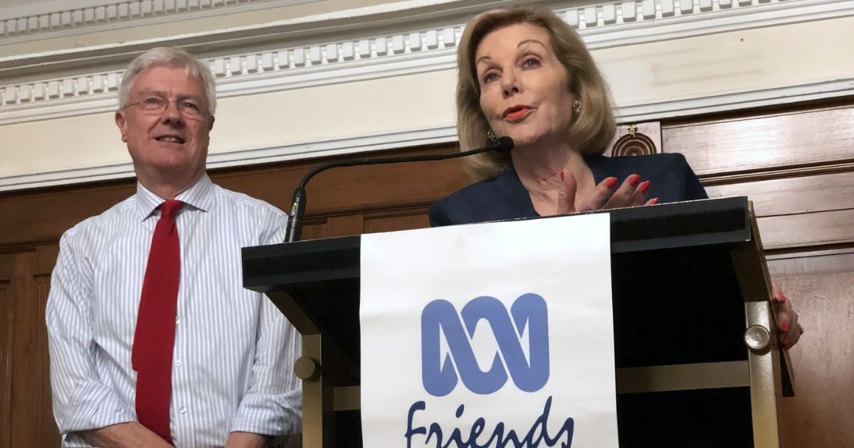 ABC Chair, Ita Buttrose, answering questions after her well-received address at the NSW & ACT Friends Dinner, Sydney 6 September. NSW President, Professor Ed Davis, is on her right.