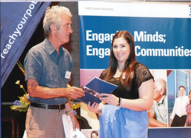 Student Amanda Zampogna receiving her Award from Lindsay Smith, VP of FABCWA.