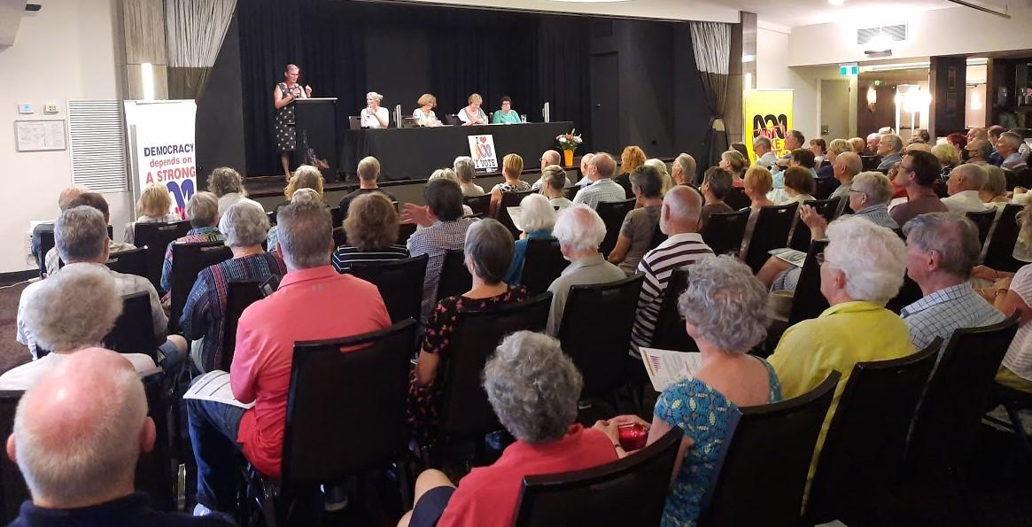 Speaker Shoalhaven Mayor Amanda Hindley addressing the audience