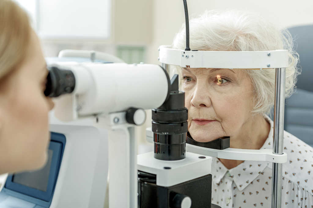 Eye scan on elderly lady