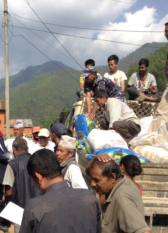 nepal_truck_sml.jpg