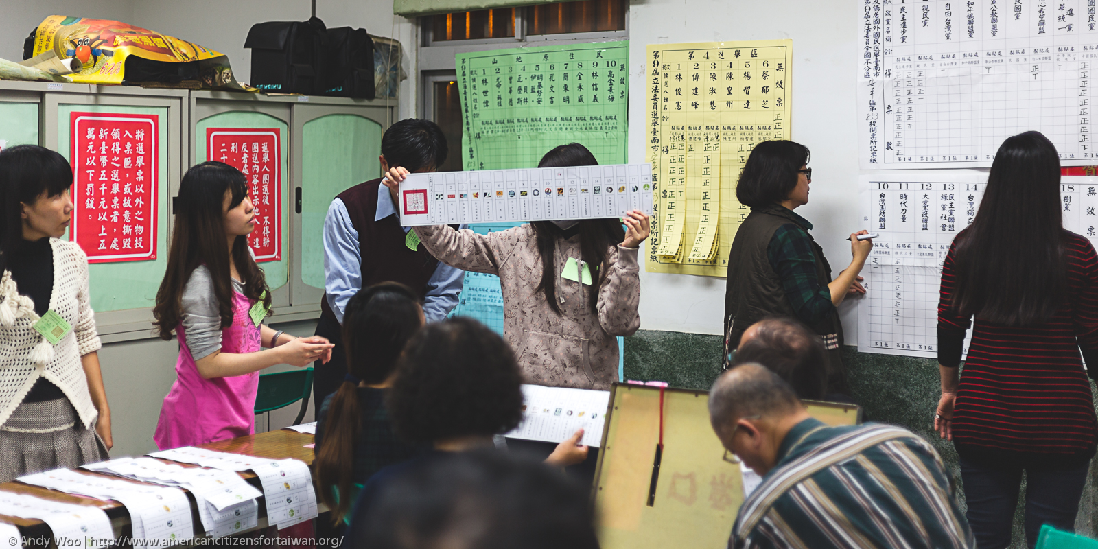 Taiwanese people going to the poll. Photo: Andy Woo