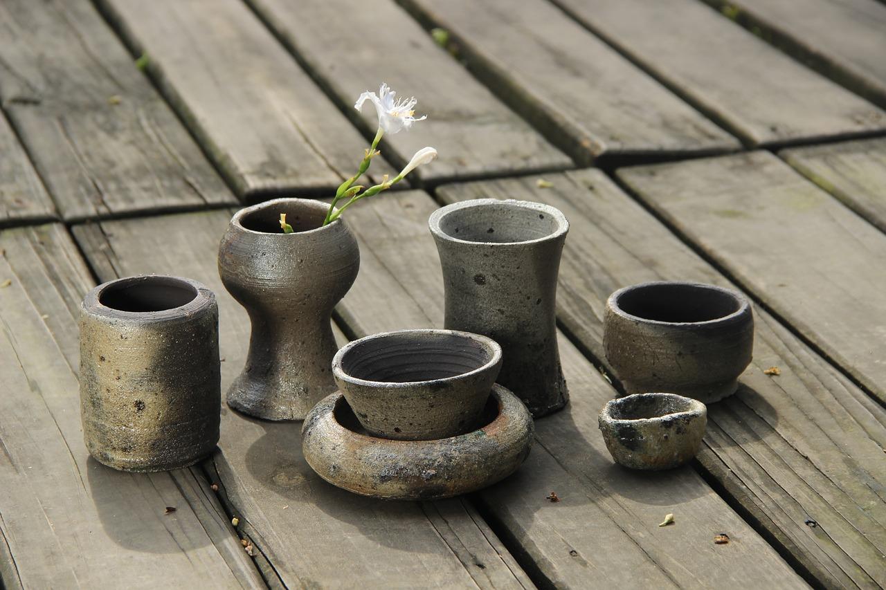 clay-pots-1594582_1280.jpg