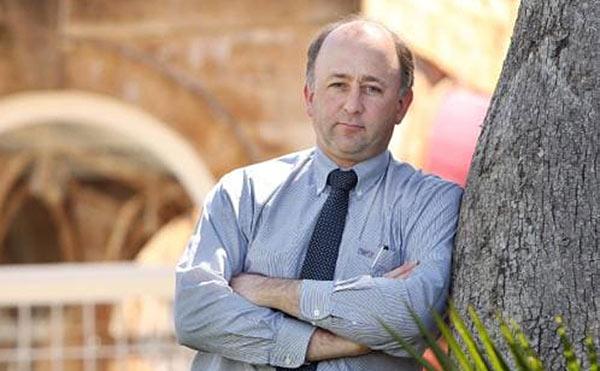 Dr David van Gend
