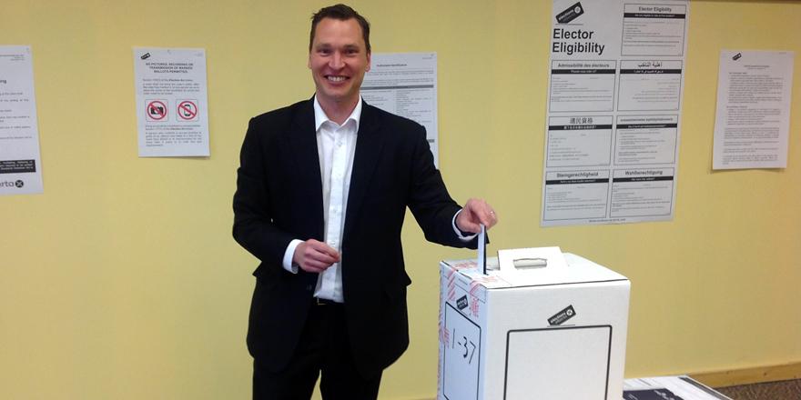 2015-05-02-Bilous-Adv_Voting.jpg