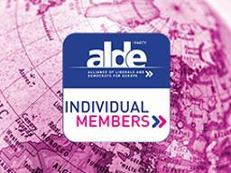 Individual members meet up around Europe