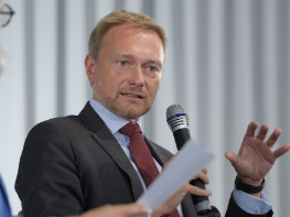FDP delegates elect leader Lindner to top federal election list spot