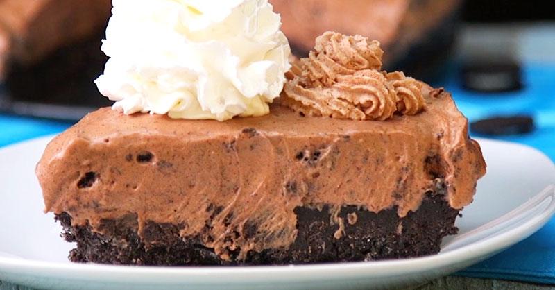 food_eating_desserts_THUMB.jpg