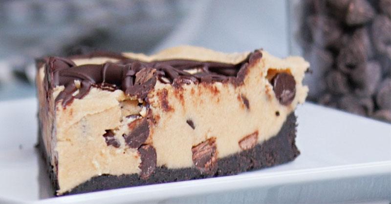 food-desserts-eating-chocolate-cookie-pie-THUMB.jpg