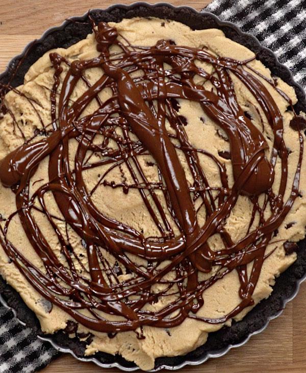 food-desserts-eating-cookie-pie-chocolate.jpg