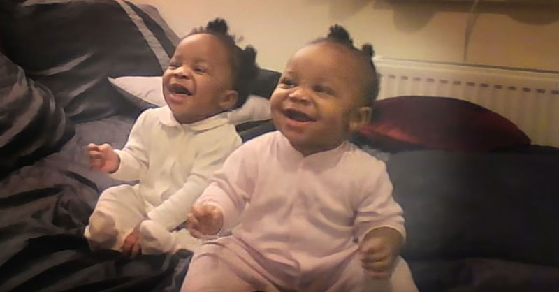 cute-twin-baby-girls-THUMB.jpg
