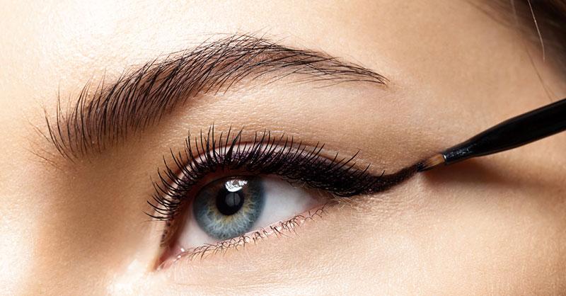 eyeliner-makeup-beauty-THUMB.jpg
