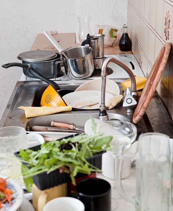 cleaning-kitchen-hacks-dishes-sink.jpg