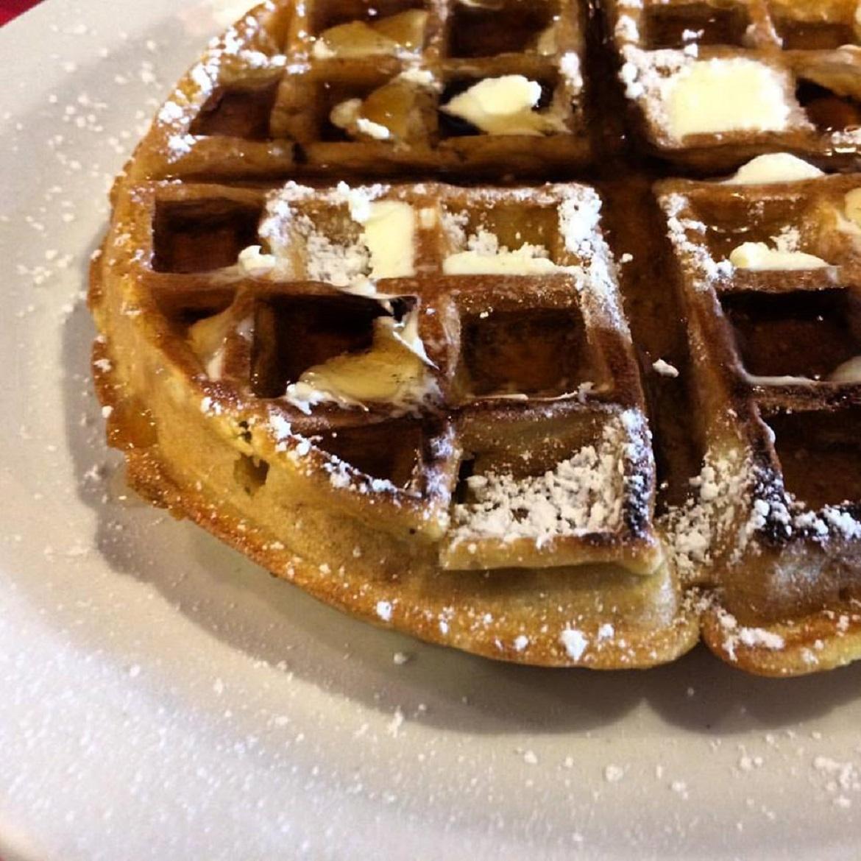 Breakfast_At_Shellys_Waffle.jpg