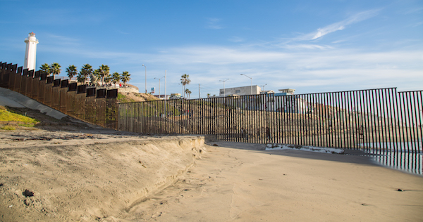 United_States_-_Mexico_Ocean_Border_Fence_(15838118610)_(1).jpg