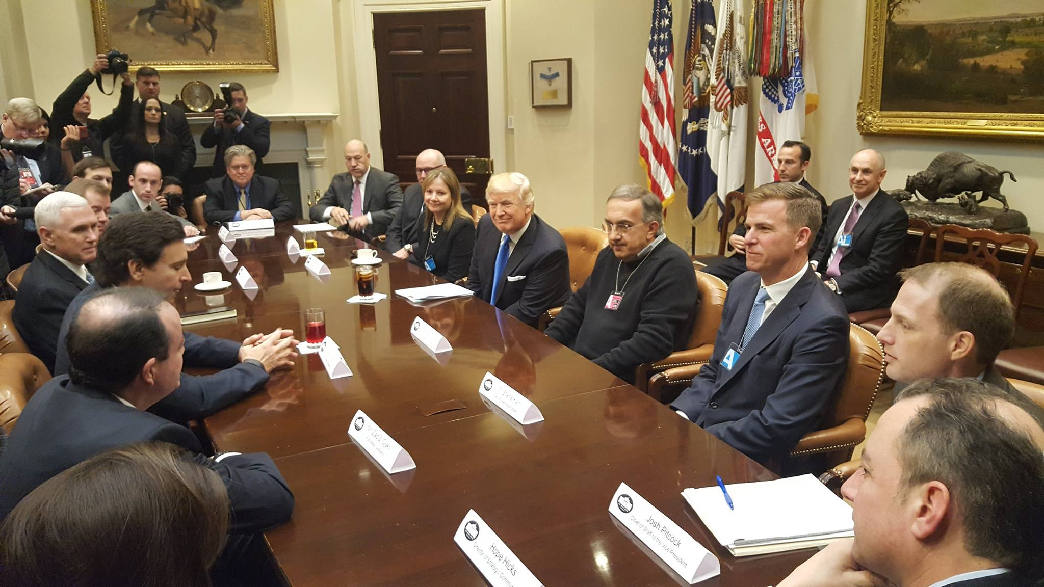 Donald_Trump_and_Mike_Pence_meet_with_automobile_industry_leaders.jpg