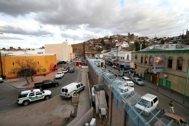 Nogales-Border-768x512.jpg