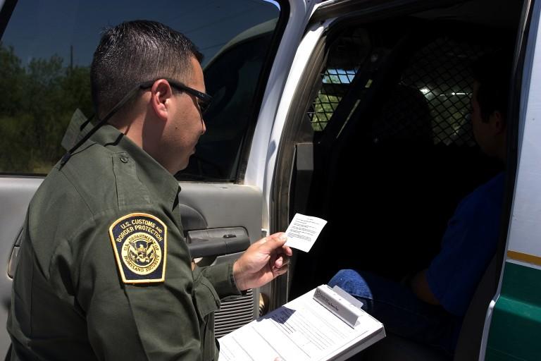 CBP_Border_Patrol_agent_reads_the_Miranda_rights-768x512.jpg