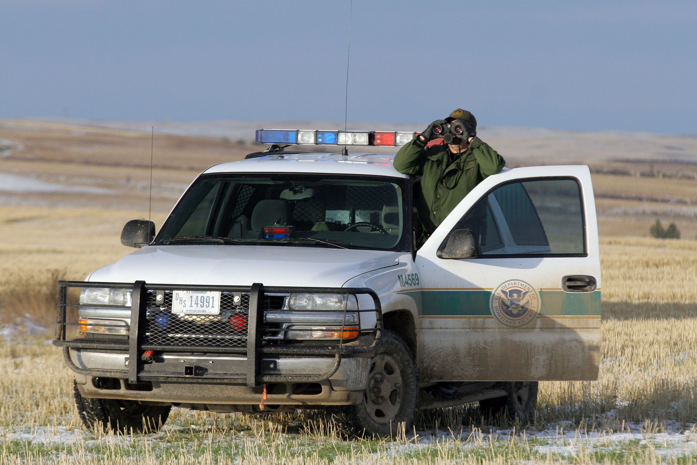 Border_Patrol_in_Montana.jpg