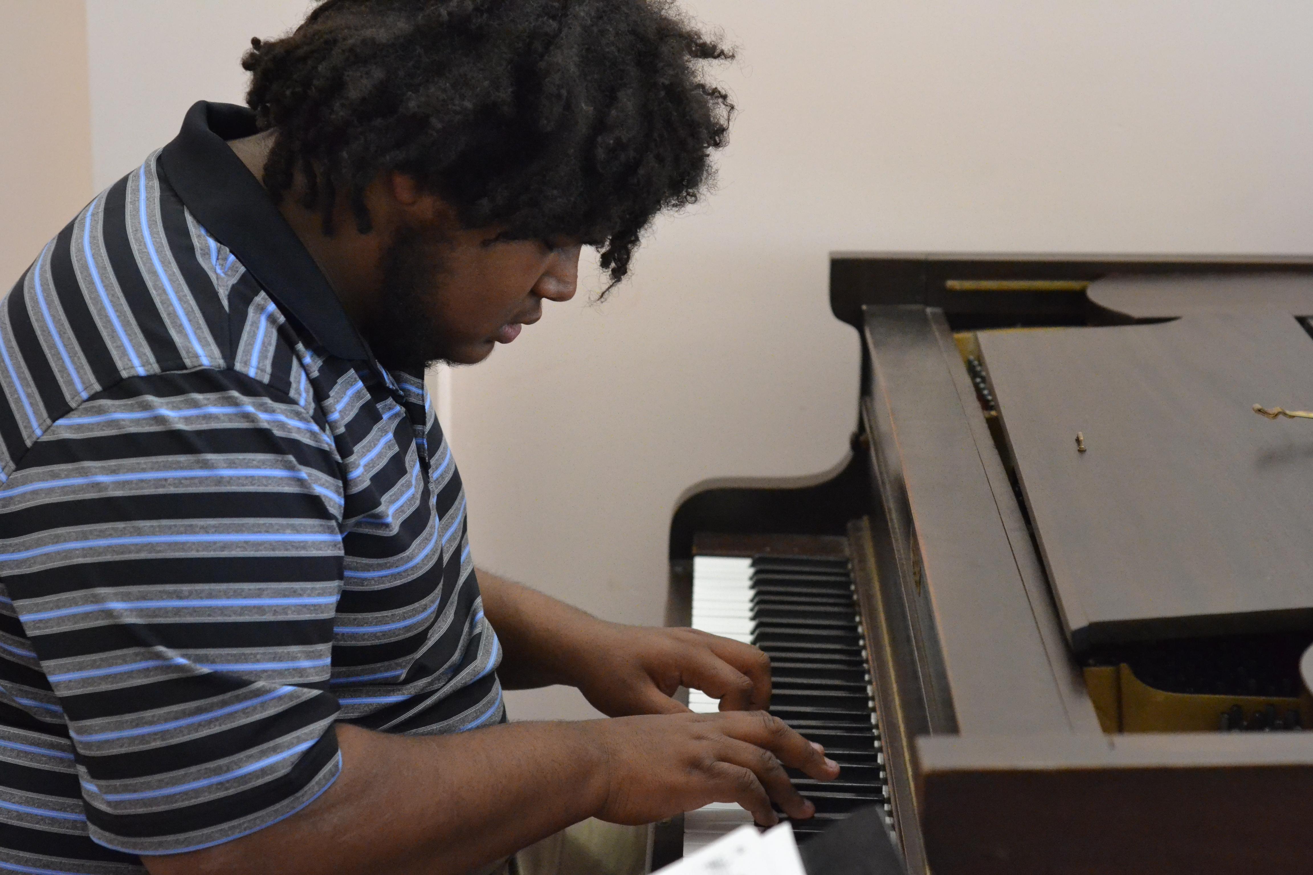 Eli Heath Jazz Trio pianist. [photo credit: Rebekah Hanlon]