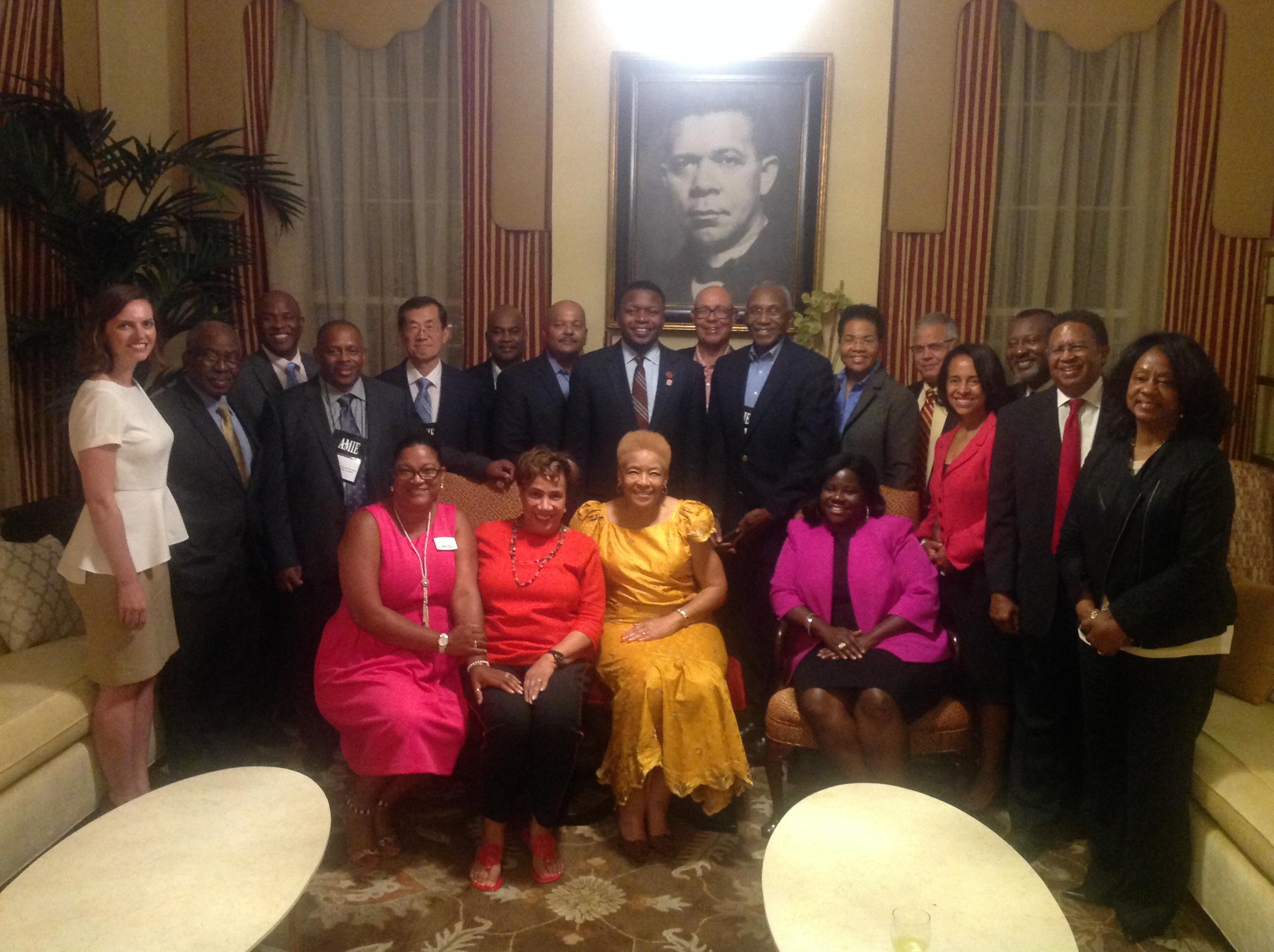 Tuskegee_President_hosts_Deans.jpg