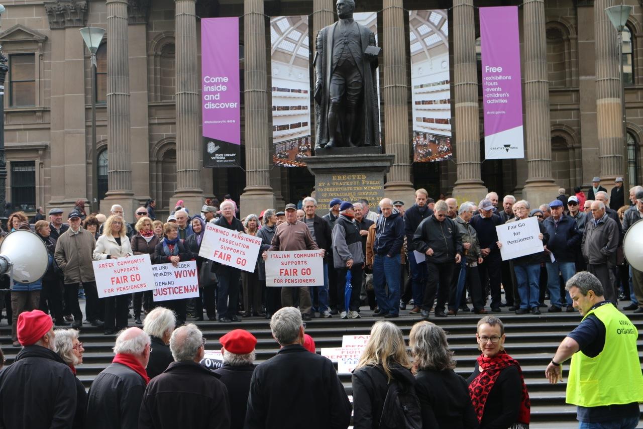 Retired members' rally slams Coalition cuts