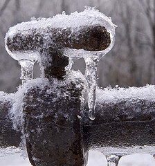frozen-pipes.jpg