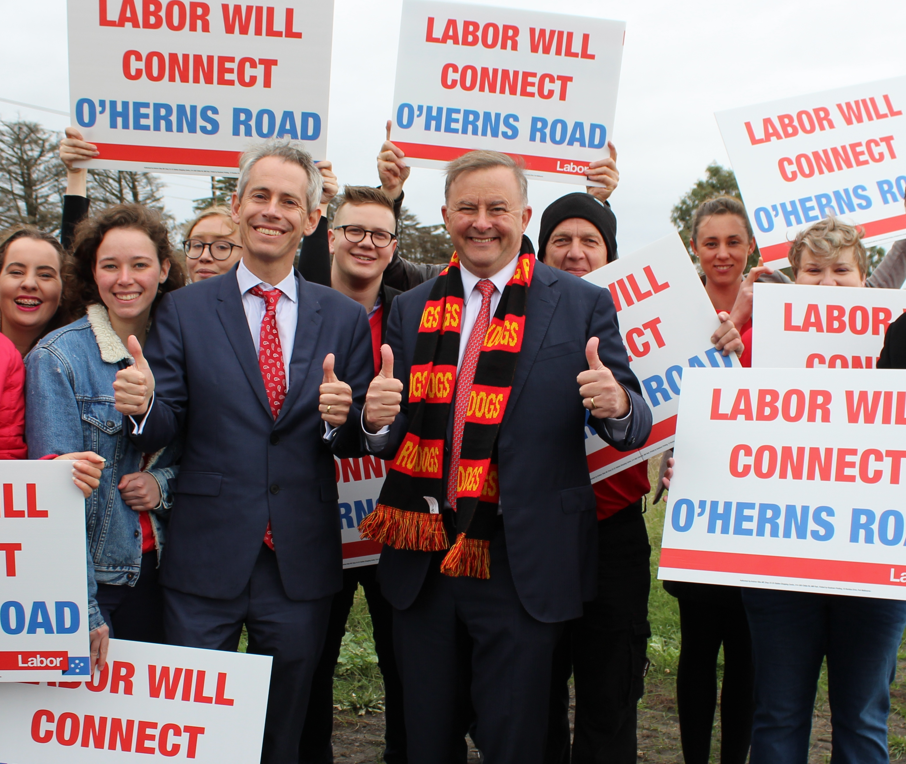 AG_with_Albo_Labor_will_connect_oherns_rd.jpg