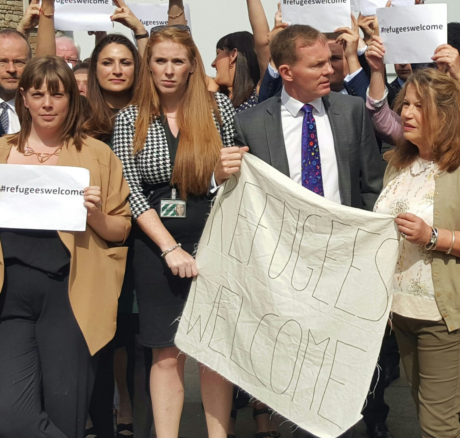 Angela_Rayner_MP_with_other_MPs_join_vigil_in_support_of_refugees.jpg
