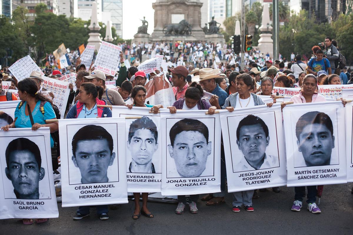 Mexico-Ayotzinapa-Protest-01.jpg