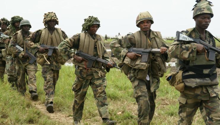 Nigerian-soldiers-e1421459885630.jpg