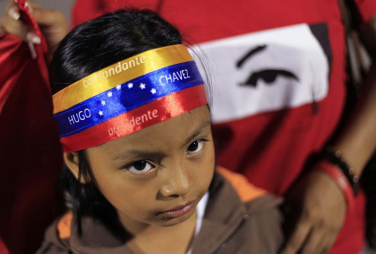 REU-VENEZUELA-CHAVEZ_REACTI.jpg