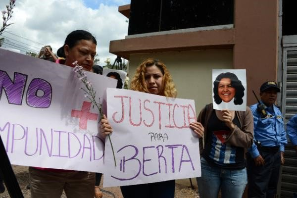 Relatives-and-friends-of-murdered-indigenous-activist-Berta-Caceres-___.jpg