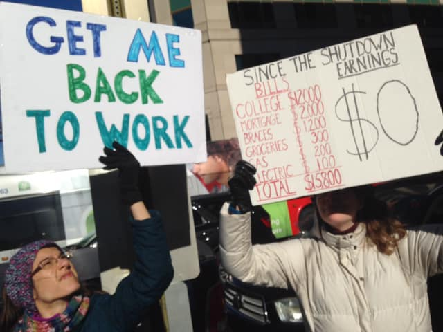 federal_workers_rally_2.jpg
