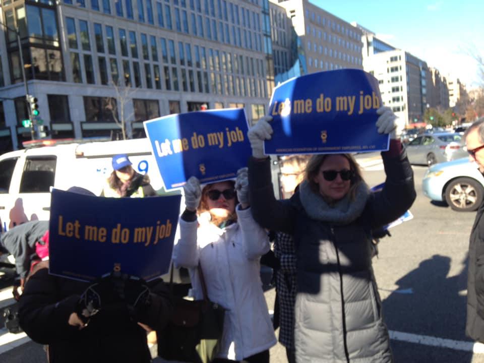 federal_workers_rally_3.jpg