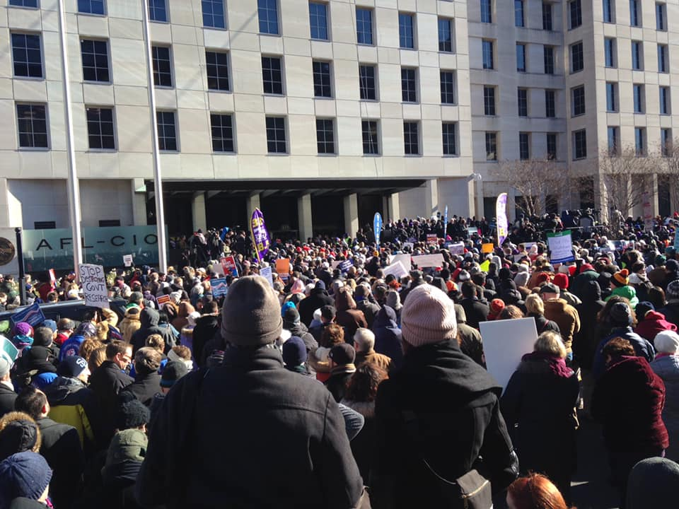 federal_workers_rally.jpg