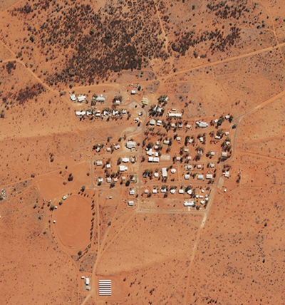 Located 150 km from Yuendumu on an unsealed road, Nyirripi is home to approximately 240 residents.
